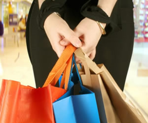 Holiday Shopping: 3 Reasons to Use Credit Cards