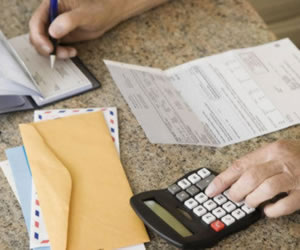 Customer of 'Big Banks'? You Pay More Banking Fees